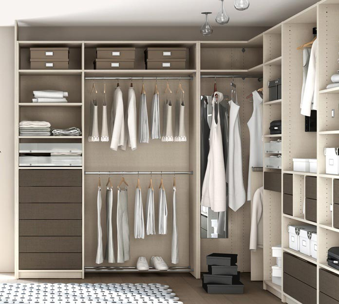 Dressing am nagement et portes de placard chelet bois gu rande - Ikea amenagement dressing ...